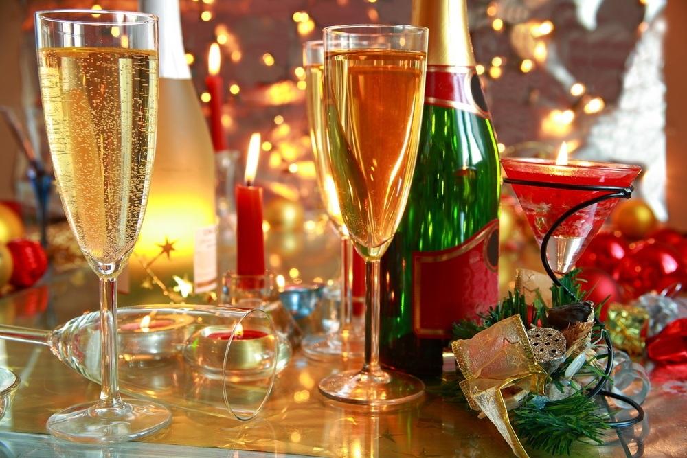 christmas-champagne-andrzej-sowashutterstock